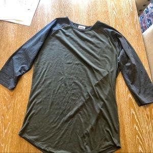 LulaRoe 3/4 shirt